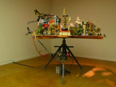 IN IMAGE WE TRUST, 2010 - 251,46 cm x 251,46 cm x 210,82 cm, Mixed Media